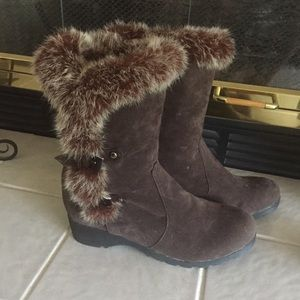 NEW- Brown faux suede fur trimmed boots